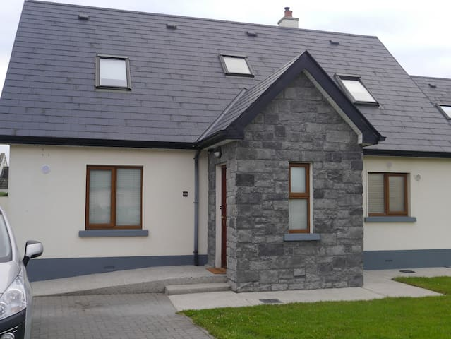 Beautiful house near the beach. extreme comfort.!! - Enniscrone