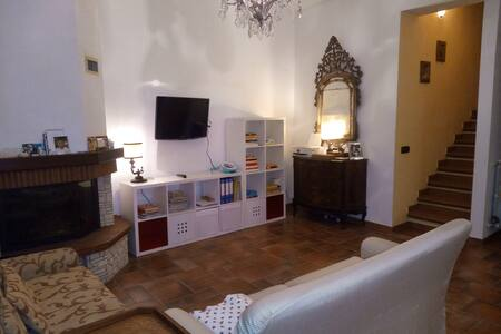 BIG ROOM BETWEEN HILLS AND SEA - Camaiore - Apartment - 1