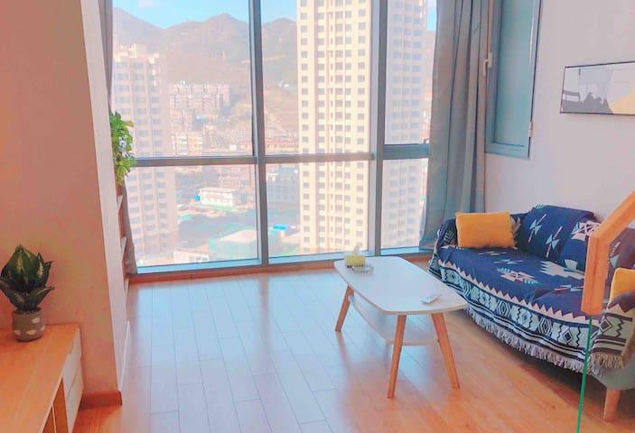 【时光】中昂时代广场loft复式两层整套观景公寓