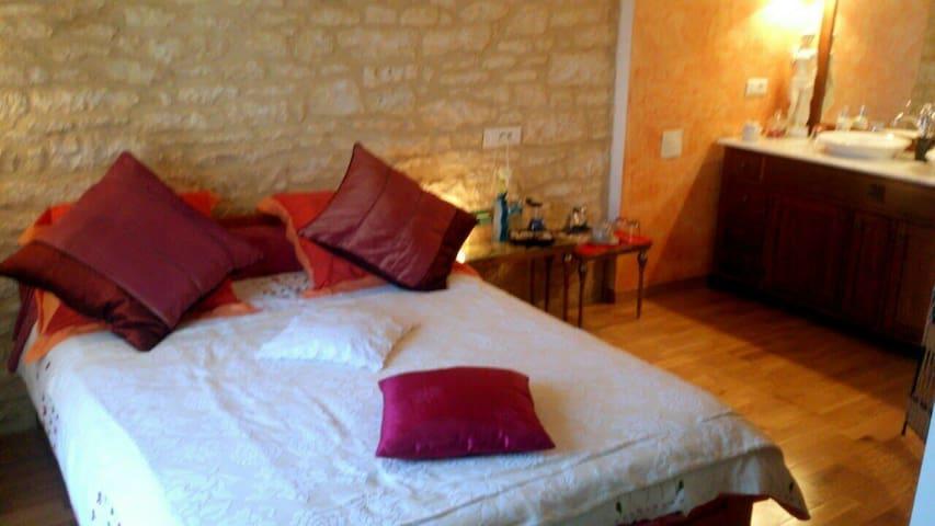 Gîte 2 à 4p en Périgord Noir - Cazoulès - Talo