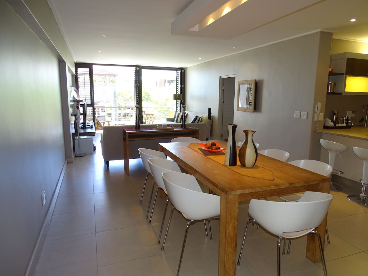 Spacious open plan kitchen,dining and lounge area