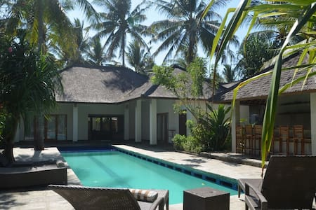 Paradise Found-Amazing Private Villa with Pool - Hus