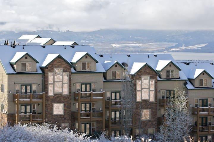 Ritz Carlton Beds , Amazing views & 2 Fireplaces