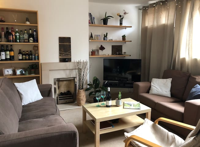 Double room in 3bed Maisonette next to Kings Cross
