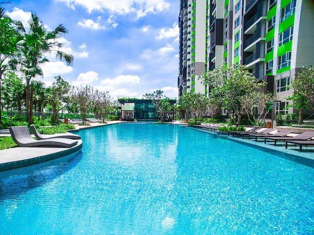 Luxury 2BR Sky Duplex Apt-Resort in Saigon Central