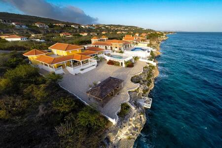 Villa Seashell - Oceanfront & Private Pool ***** - St. Willibrordus