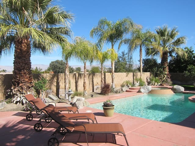 3 Bedroom Palm Desert Home Gated with Private Pool