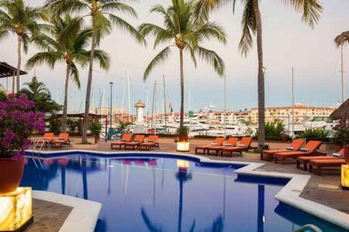 Espaciosa Junior Suite en Marina Vallarta