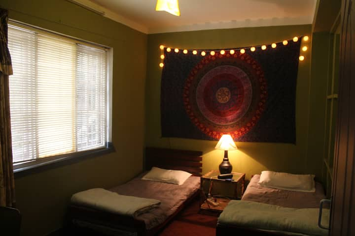 Mandala twin budget room