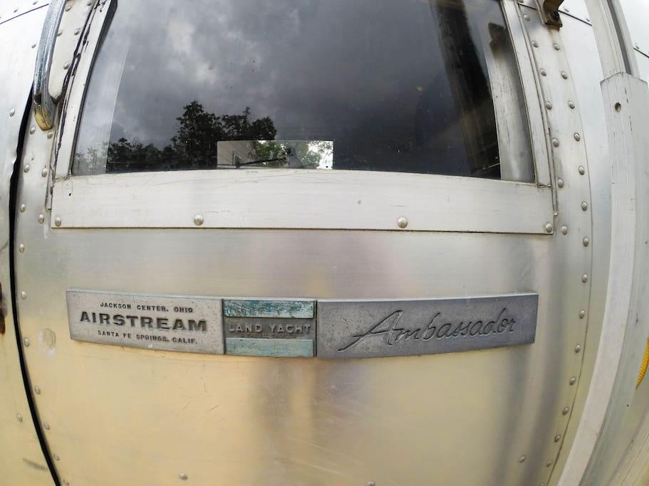 31ft 1968 Airstream Ambassador