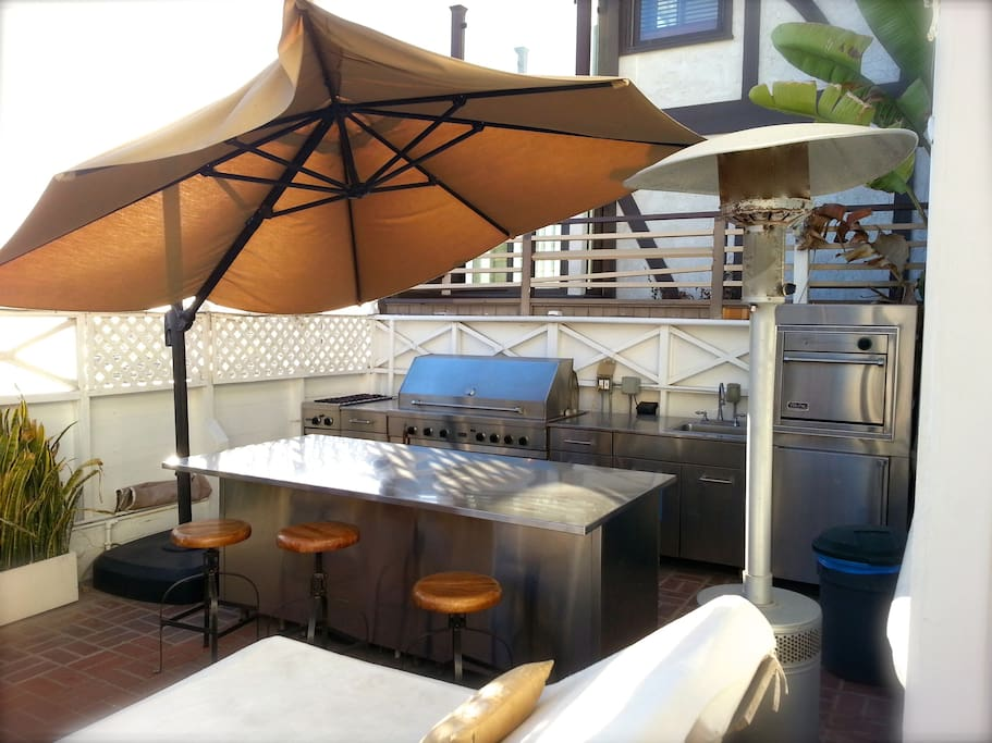 OUTDOOR KITCHEN WITH VIKING GRILL/BBQ ON PATIO (SHARED AREA)