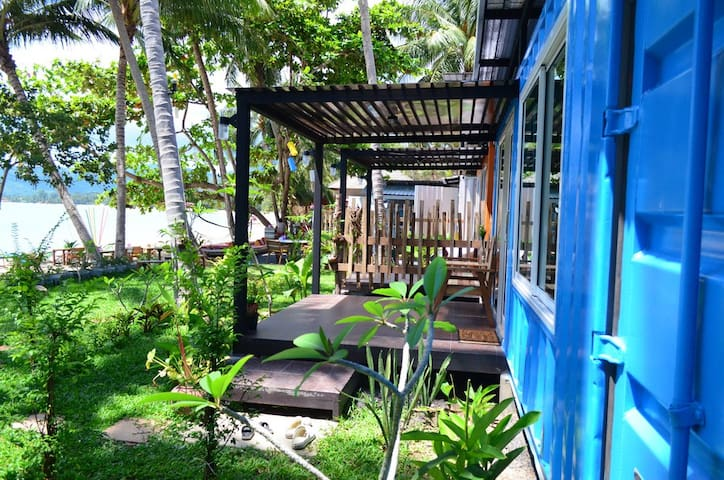 THINK & Retro Cafe Lipa Noi -Beach Cottage [B]