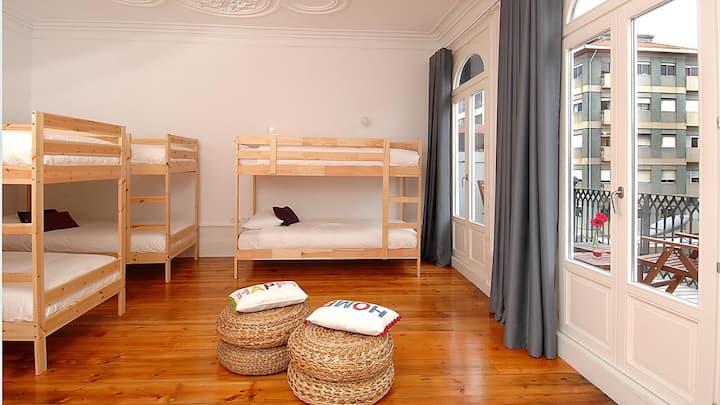 Cama em quarto partilhado com varanda - misto