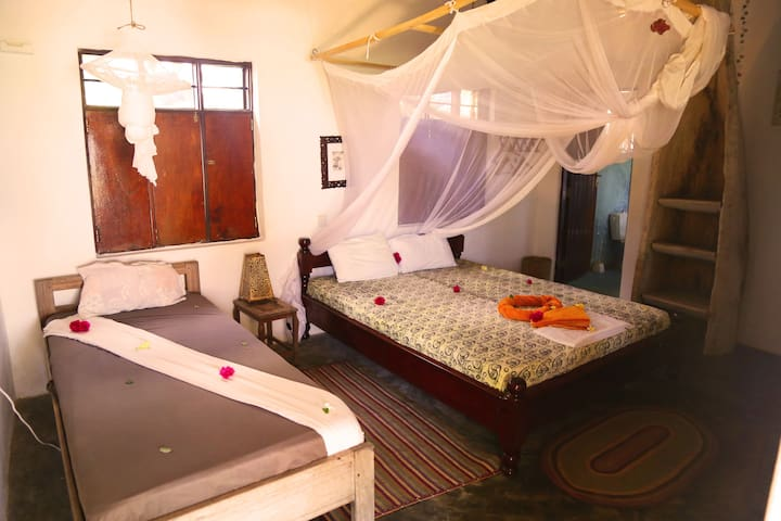 Mango Beach Guesthouse Deluxe Double Room 2