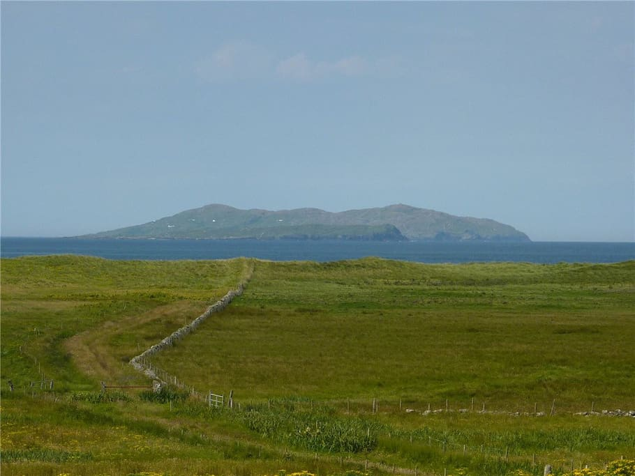 Green lane to the beach, with Inishturk beyond