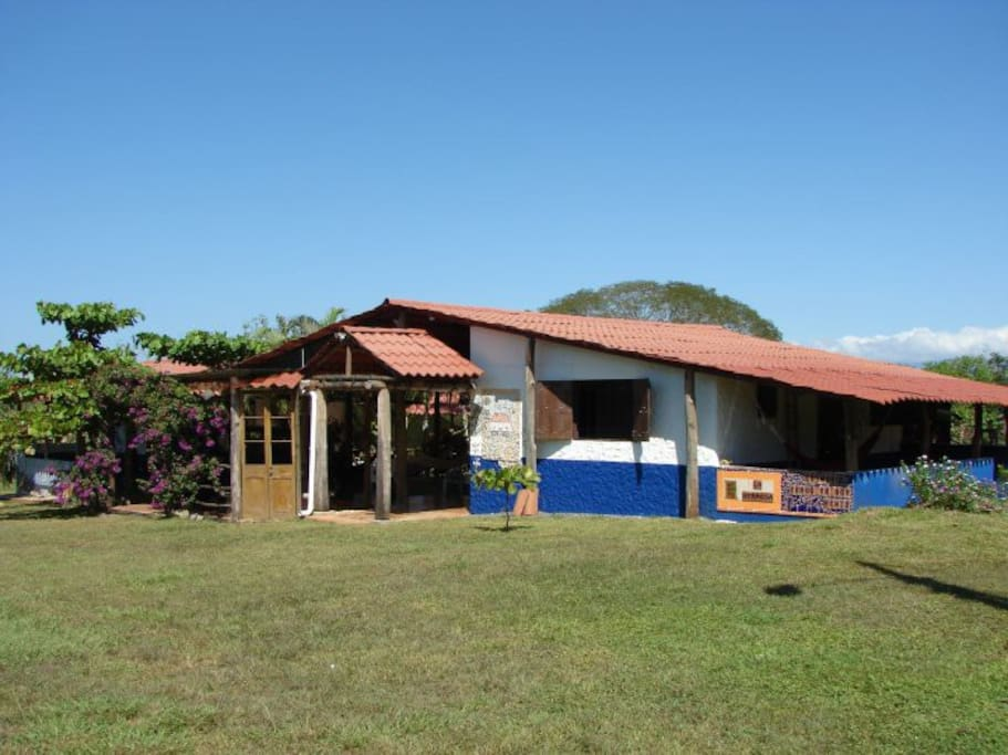 Classic Costa Rican House |  sunny day :)