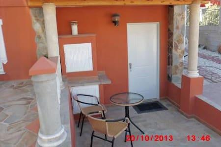 Apartment with garden, pool & BBQ  - Pinos de Alhaurín - Huoneisto