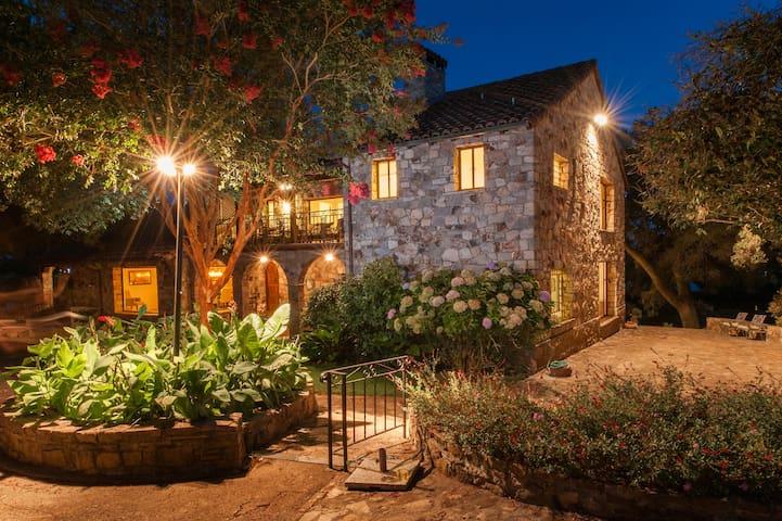 Casa Sebastiani - Wine Country Classic - Sonoma - Villa