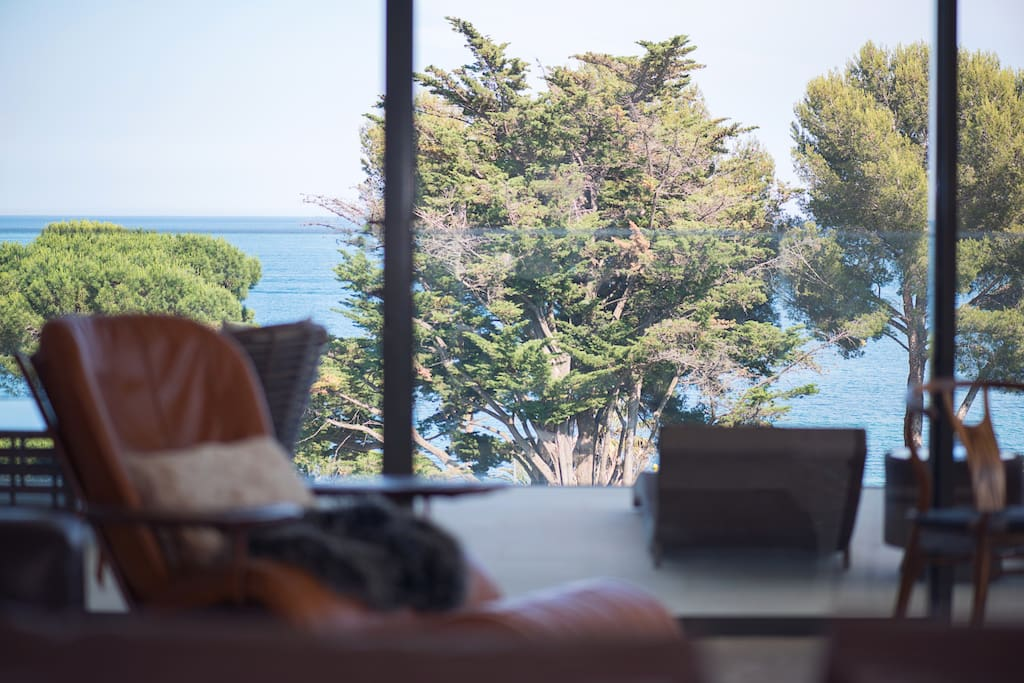 Panoramic windows in rooms with breathtaking sea view