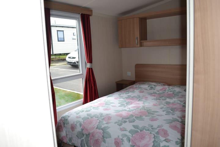 Family-friendly, cosy caravan. - Weymouth - Andre