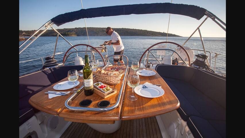54 foot luxury sailing yacht - Cruz Bay - Bed & Breakfast