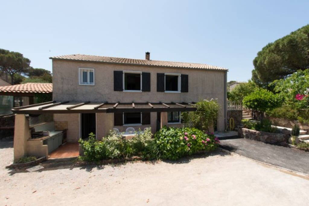 Maison provençale avec boulodrome
