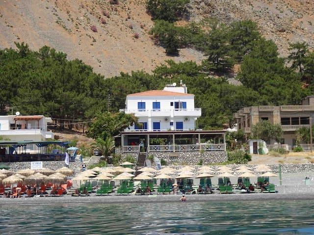 Gigilos sea view rooms,Agia Roumeli