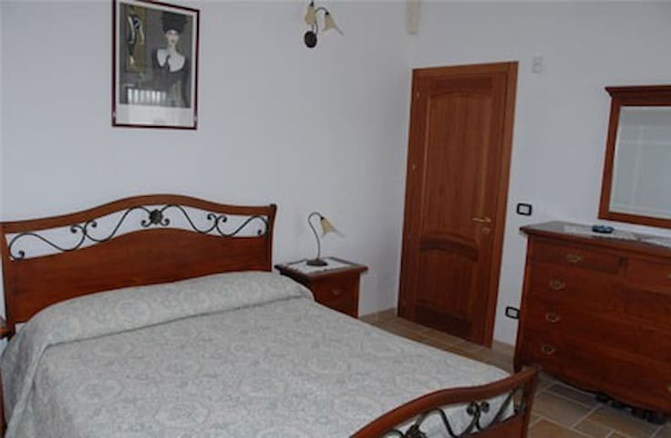 Villa Rita-Bed and Breakfast - Campi Salentina - Bed & Breakfast