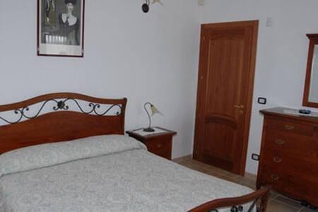 Villa Rita-Bed and Breakfast - Campi Salentina - Inap sarapan