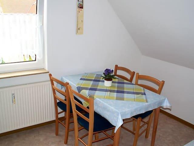 Ferienwohnung Kölpinsee (4 Pers.) - Klink - Apartment
