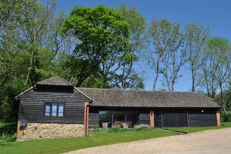 Spacious, cosy barn in the beautiful Surrey Hills