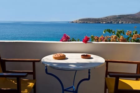 Dolphin suites with sea view - Antiparos