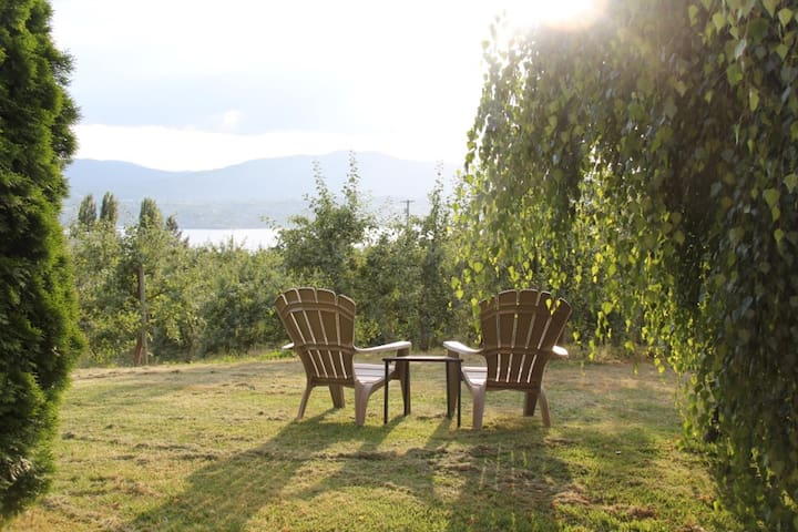 Lakeview Naramata Orchard Retreat