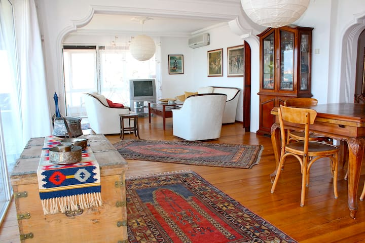 Spacious 140m2 flat with sea view - Ayvalik - Departamento