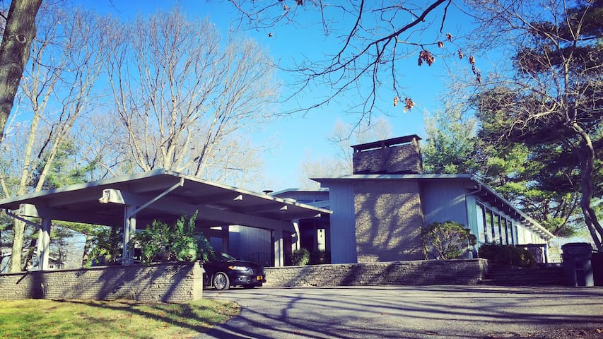 Designer Home with amazing Hudson Valley views!