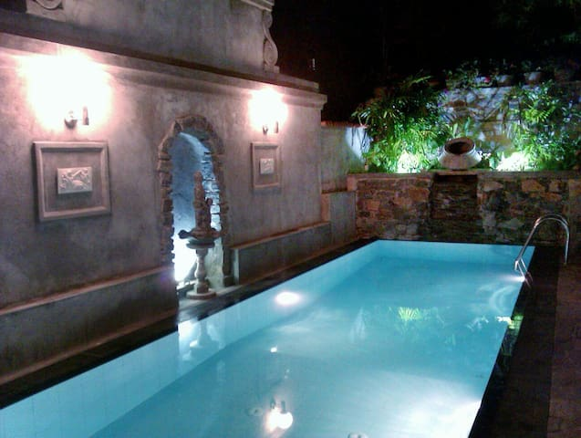Boutique Villa with a Pool - KANDY