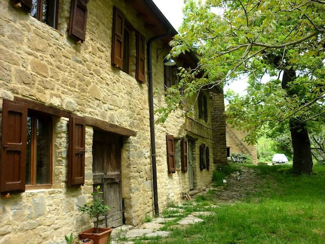 Italian Farmhouse in Nature - Vetto