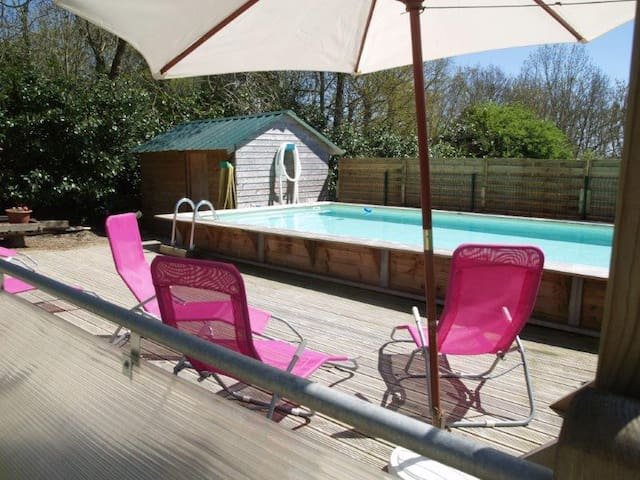 Au Pressoir de kerandoze: grand gîte avec piscine - Clohars-Carnoët - Byt