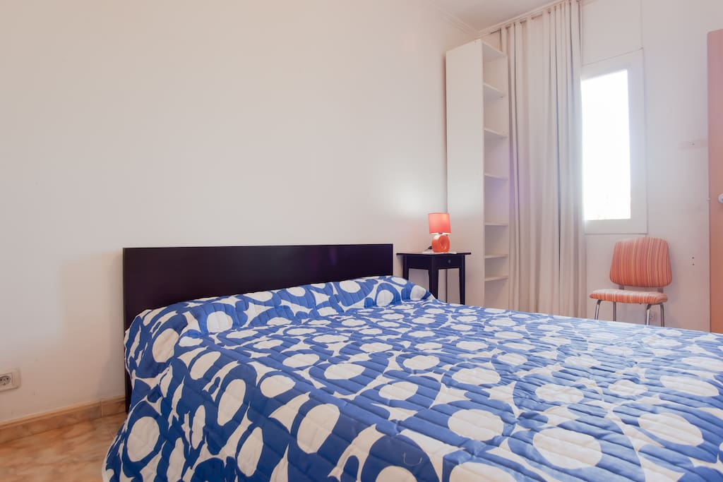 Exterior views at Gran Via. All bedrooms have a personal key to give more privacy to our guests.