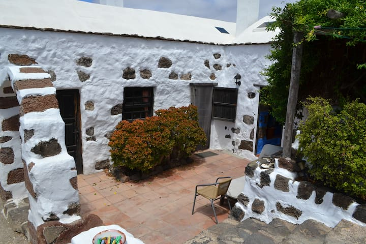 Historical Canarian house in Haría