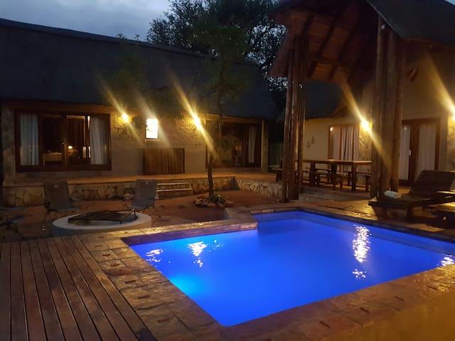 Stunning 8 sleeper bush lodge in Wildlife Estate - Hoedspruit - Villa