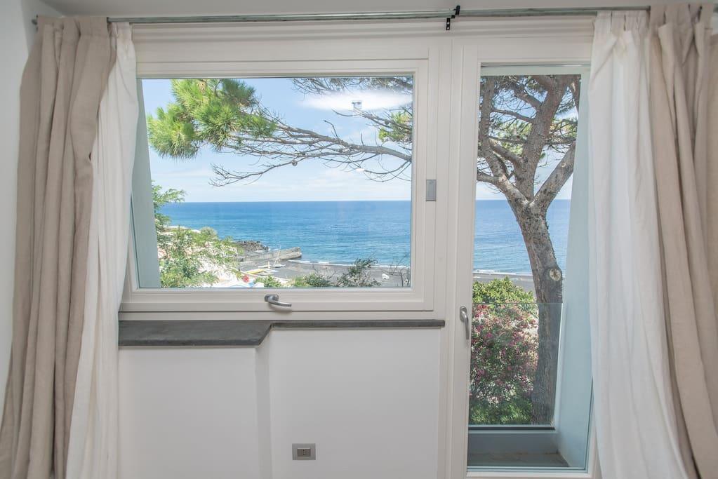 finestra camera 1
