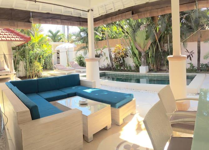 Romantic  private villa for 2 - kuta - Casa