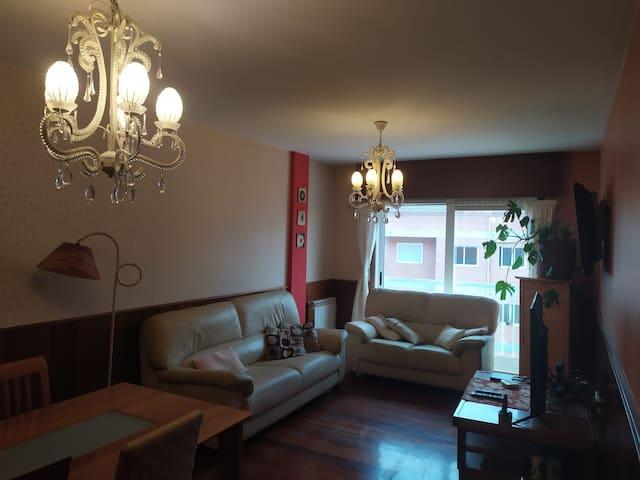 Apartamento familiar confortable y luminoso.