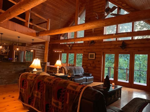 White River Retreat nestled on Crooked Creek!