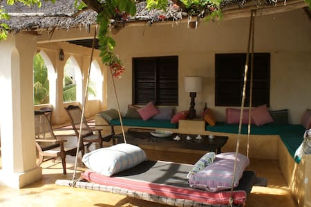 Banana House & Wellness Centre - Shela - Bed & Breakfast