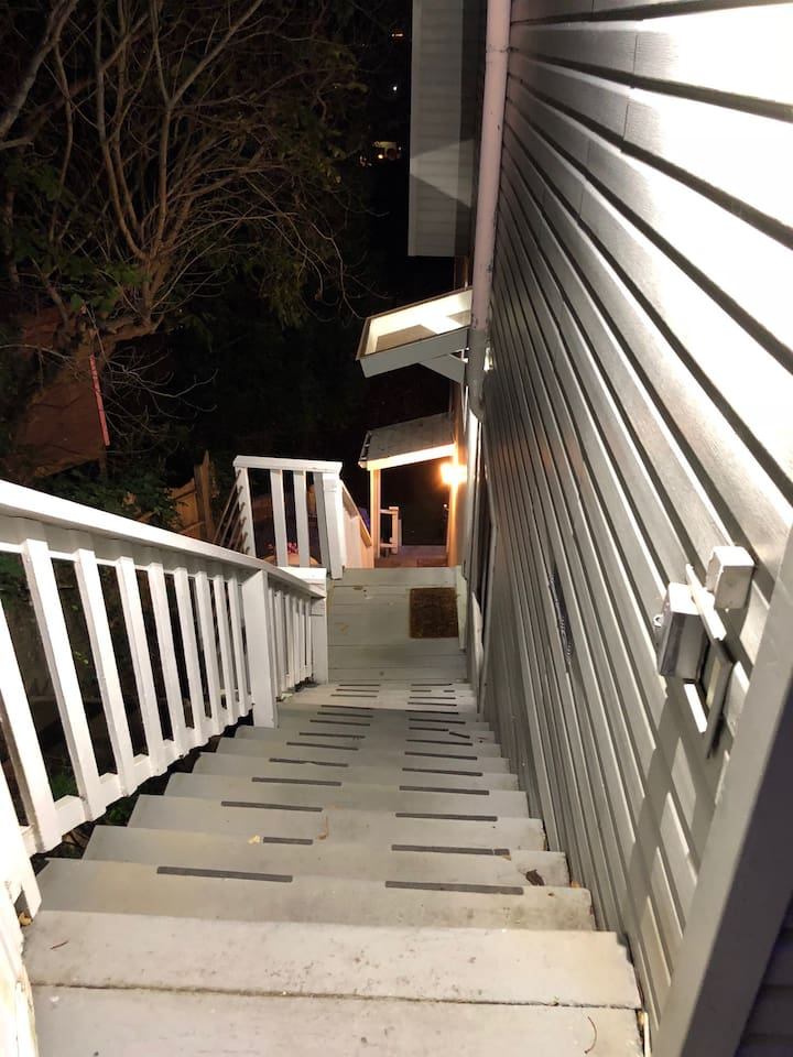 NOTICE!! There are 30 lighted steps going down to you apartment.  There is no elevator.
