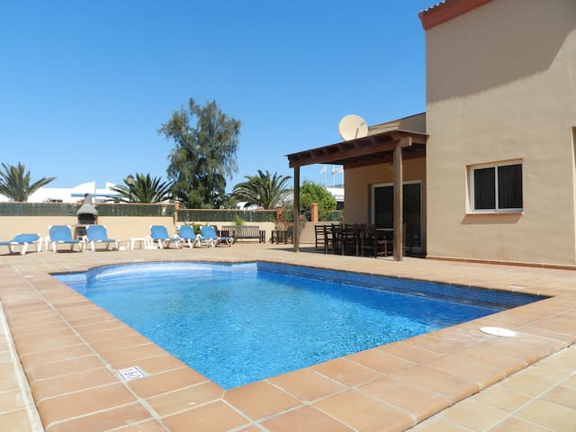 CASA MARTA duplex con piscina privada en Corralejo - Corralejo - Hus