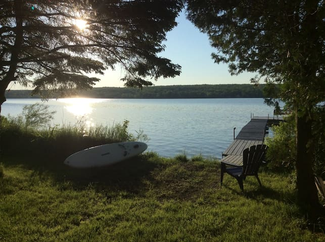 Bord du Lac Magog, Pulsar, Chalet & Spa