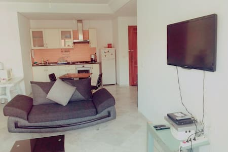 Location, location, location, super 1 bed - Sousse - Daire